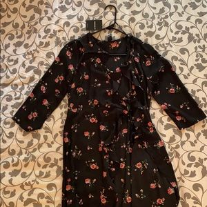 Forever 21 Large Woven Dress With Roses